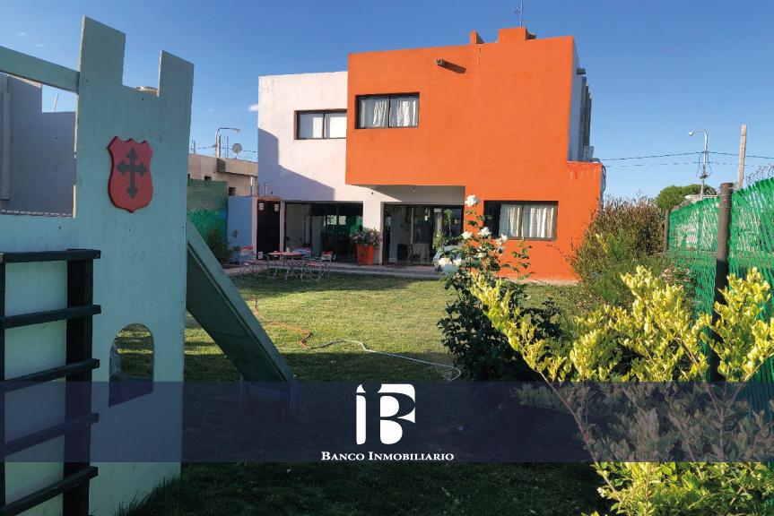 Casa en barrio Sol Andino 1