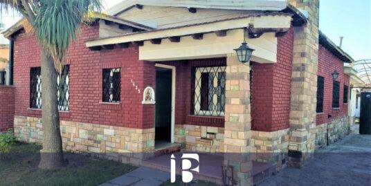 Casa en Chacras de Coria. A reciclar