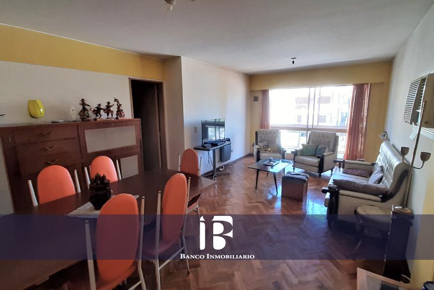 Peatonal Sarmiento. 3 Dormitorios