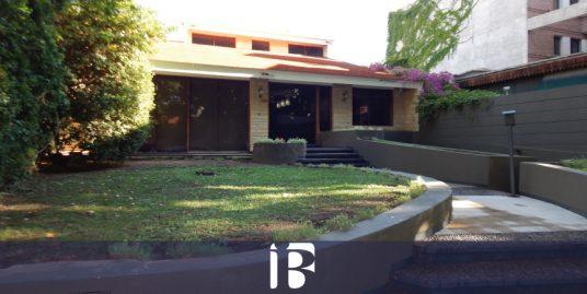 Casa en calle Roca. Quinta Sección